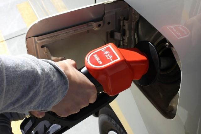 ガソリンスタンド 軽油 給油