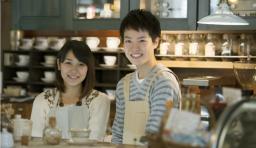 カフェ アルバイト